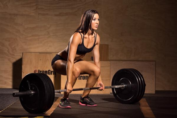 15 Benefits Of Deadlifts for Female: Workout Plan and Photos