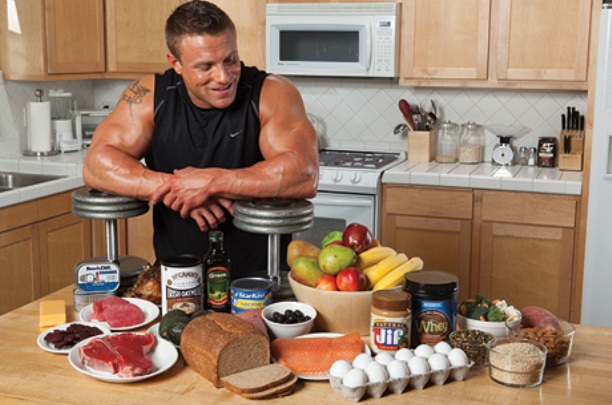 What Do Bodybuilders Eat? (When They Eat and Healthy Food List)